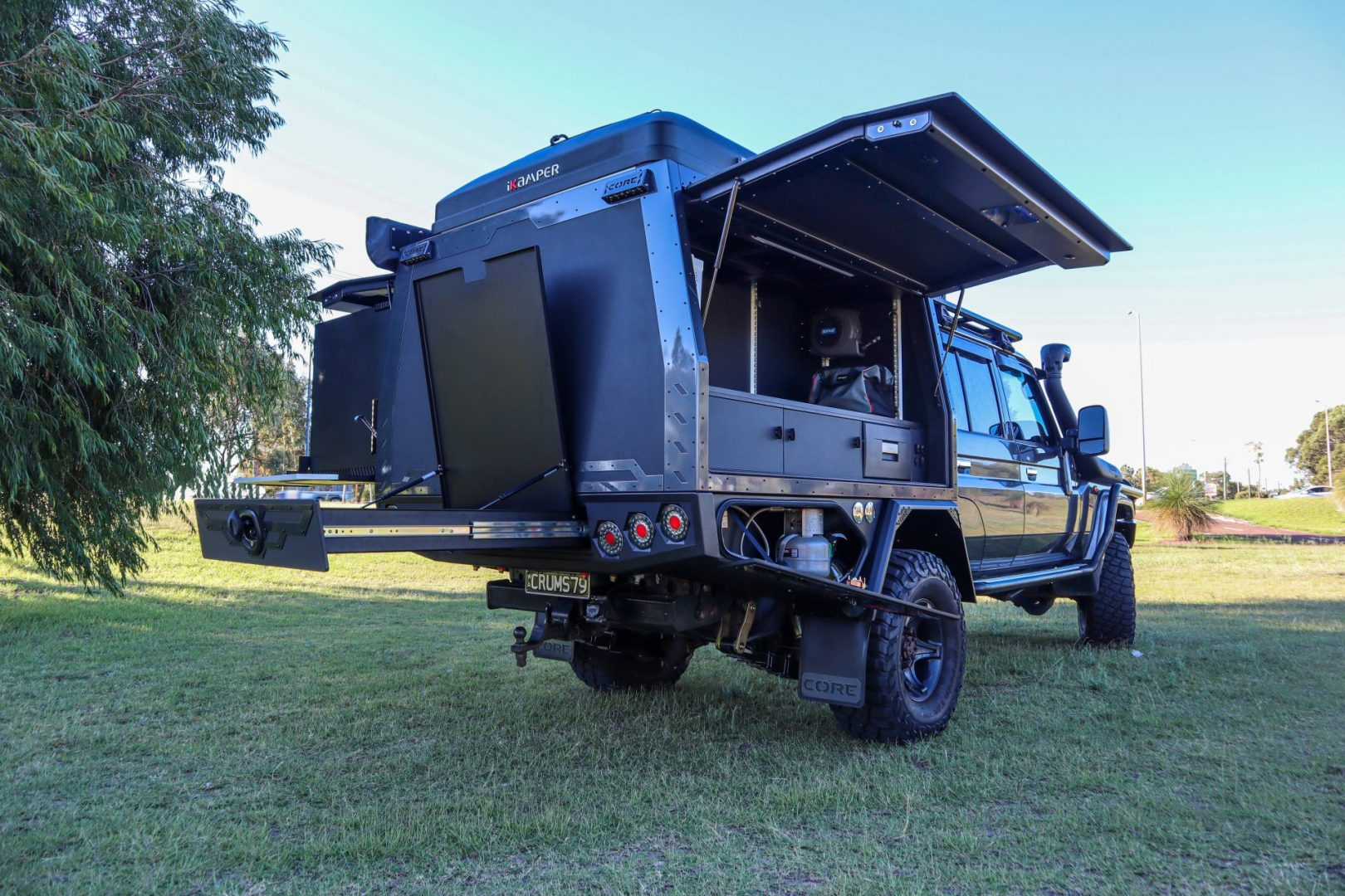 You are currently viewing Toyota Landcruiser 79 Series Dual Cab – With the kitchen sink!