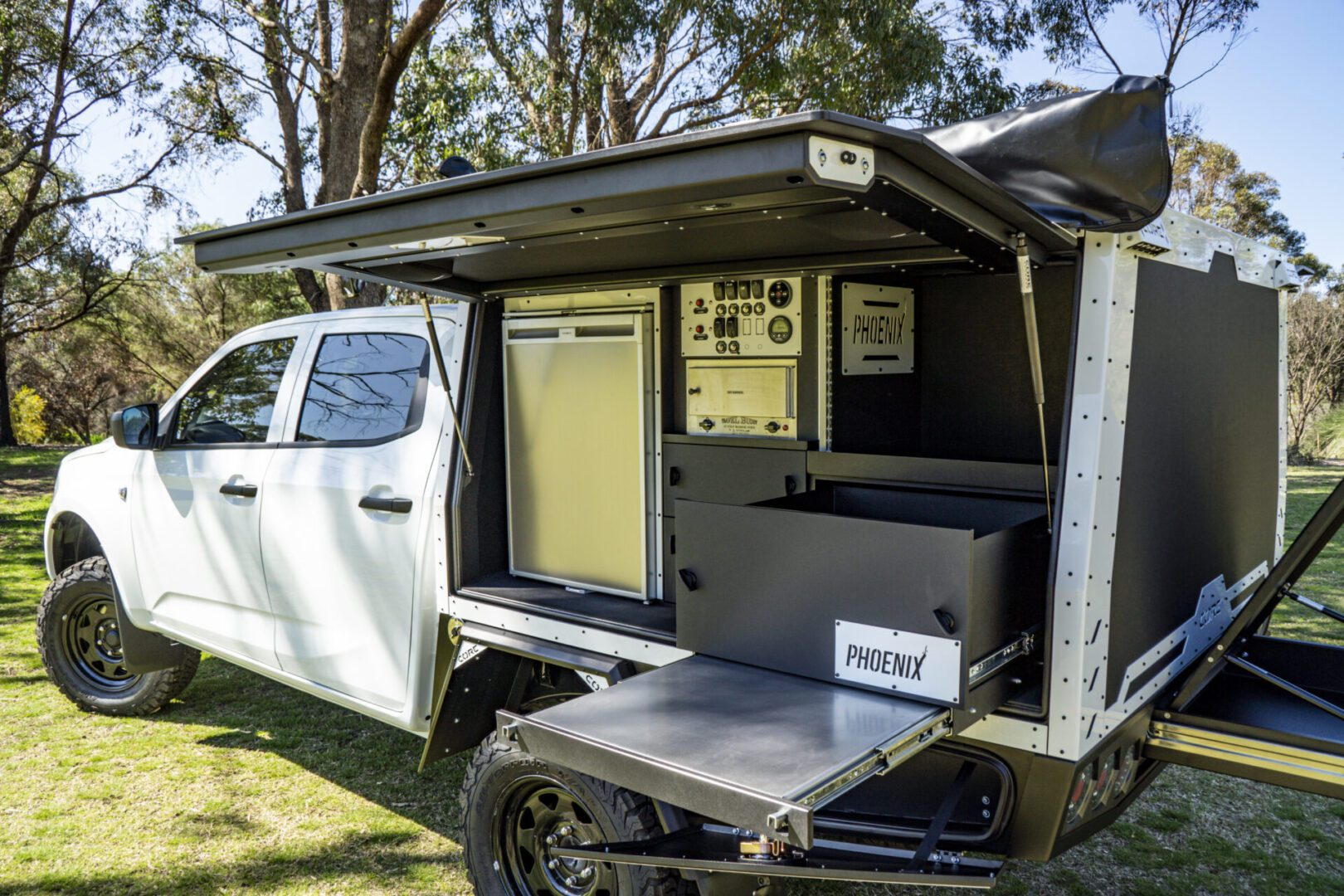 Read more about the article Isuzu D-Max Dual Cab with GTX Canopy